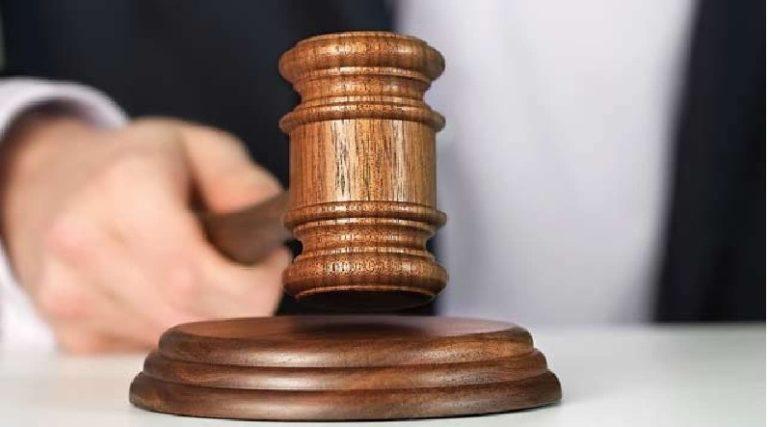 कोर्ट का दिल्ली पुलिस कमिश्नर को आदेश: ACP, SHO, ASI पर SC/ST Act में FIR दर्ज करो