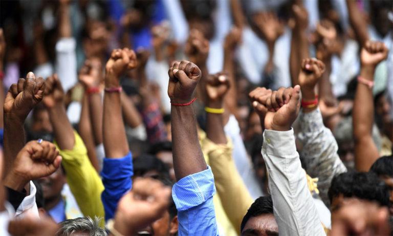 जानें क्या है एससी/एसटी एक्ट और दलितों के अधिकार