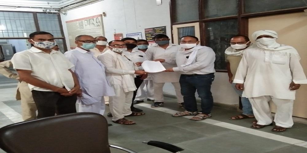 भाटला सामाजिक बहिष्कार प्रकरण में गांव के सरपंच समेत सात लोगों के खिलाफ गांव के दलितों ने मुकदमा दर्ज कराया था.